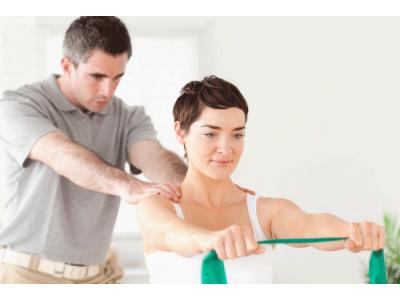 Điều trị đau cột sống với phương pháp nắn chỉnh bằng tay