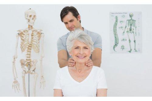 Triệu chứng bệnh thoái hóa cột sống lưng và cột sống cổ
